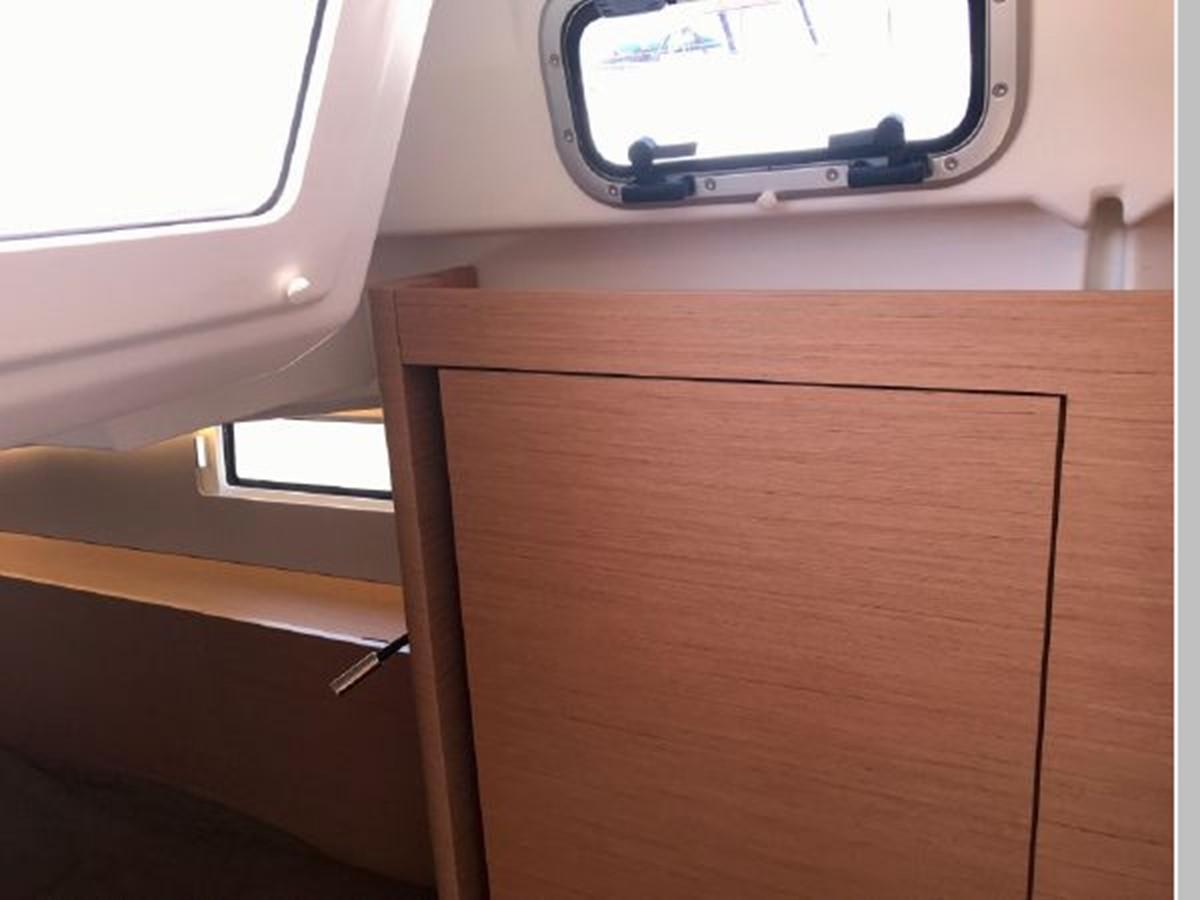 2019 JEANNEAU Sun Odyssey 490 Cruising Sailboat 2607137