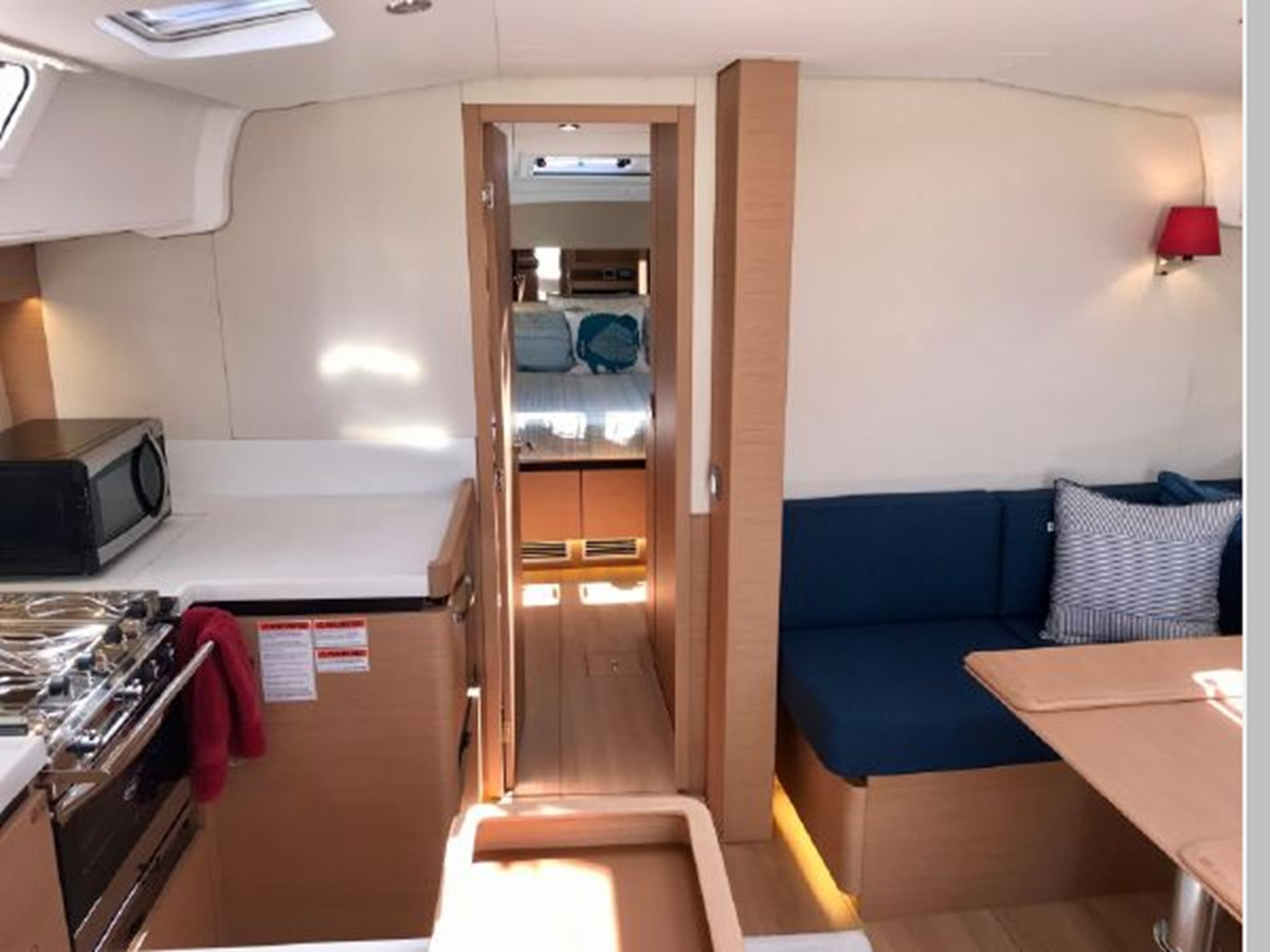 2019 JEANNEAU Sun Odyssey 490 Cruising Sailboat 2607140