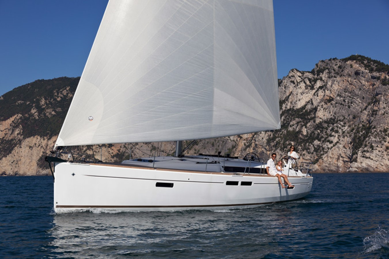 2020 JEANNEAU 479 Sun Odyssey Cruising Sailboat 2607176