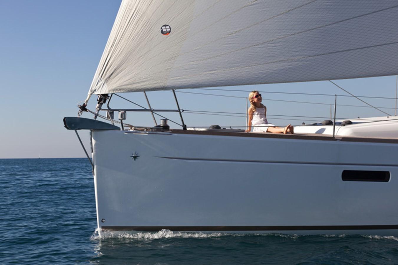 2020 JEANNEAU 479 Sun Odyssey Cruising Sailboat 2607181
