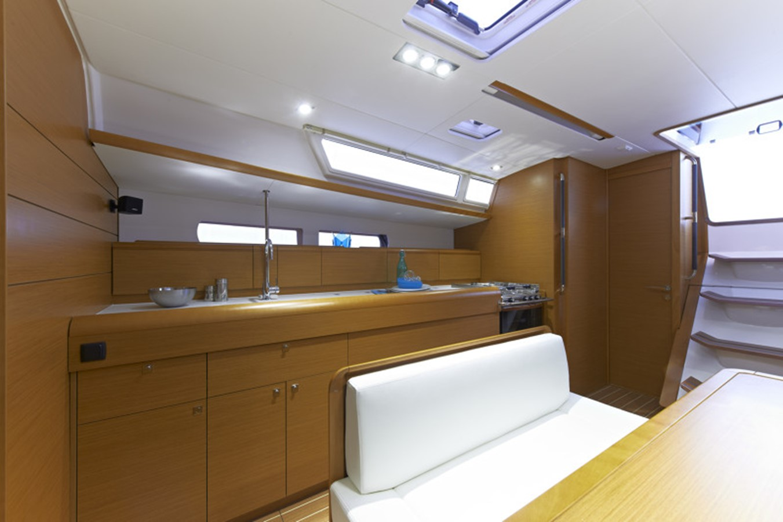 2020 JEANNEAU 479 Sun Odyssey Cruising Sailboat 2607193