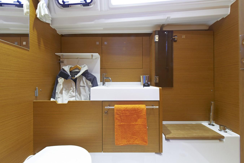 2020 JEANNEAU 479 Sun Odyssey Cruising Sailboat 2607196