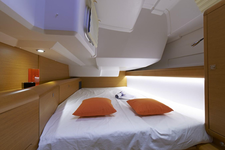 2020 JEANNEAU 479 Sun Odyssey Cruising Sailboat 2607200