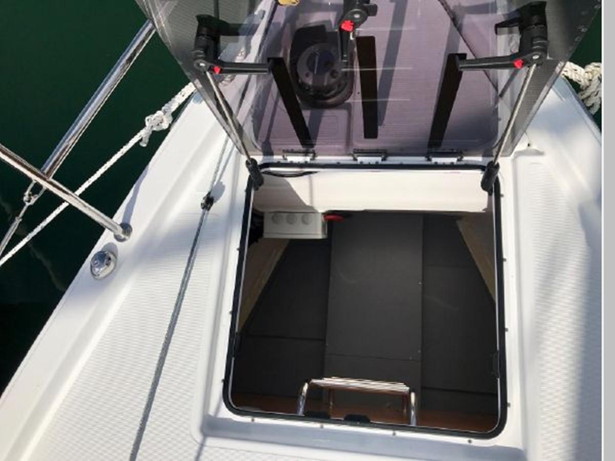 2019 JEANNEAU Sun Odyssey 440 Cruising Sailboat 2607238