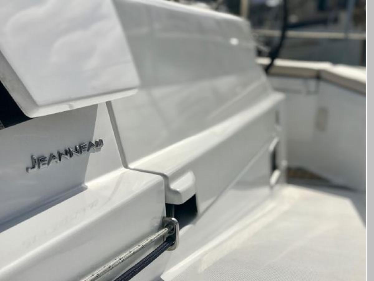 2019 JEANNEAU Sun Odyssey 440 Cruising Sailboat 2607250