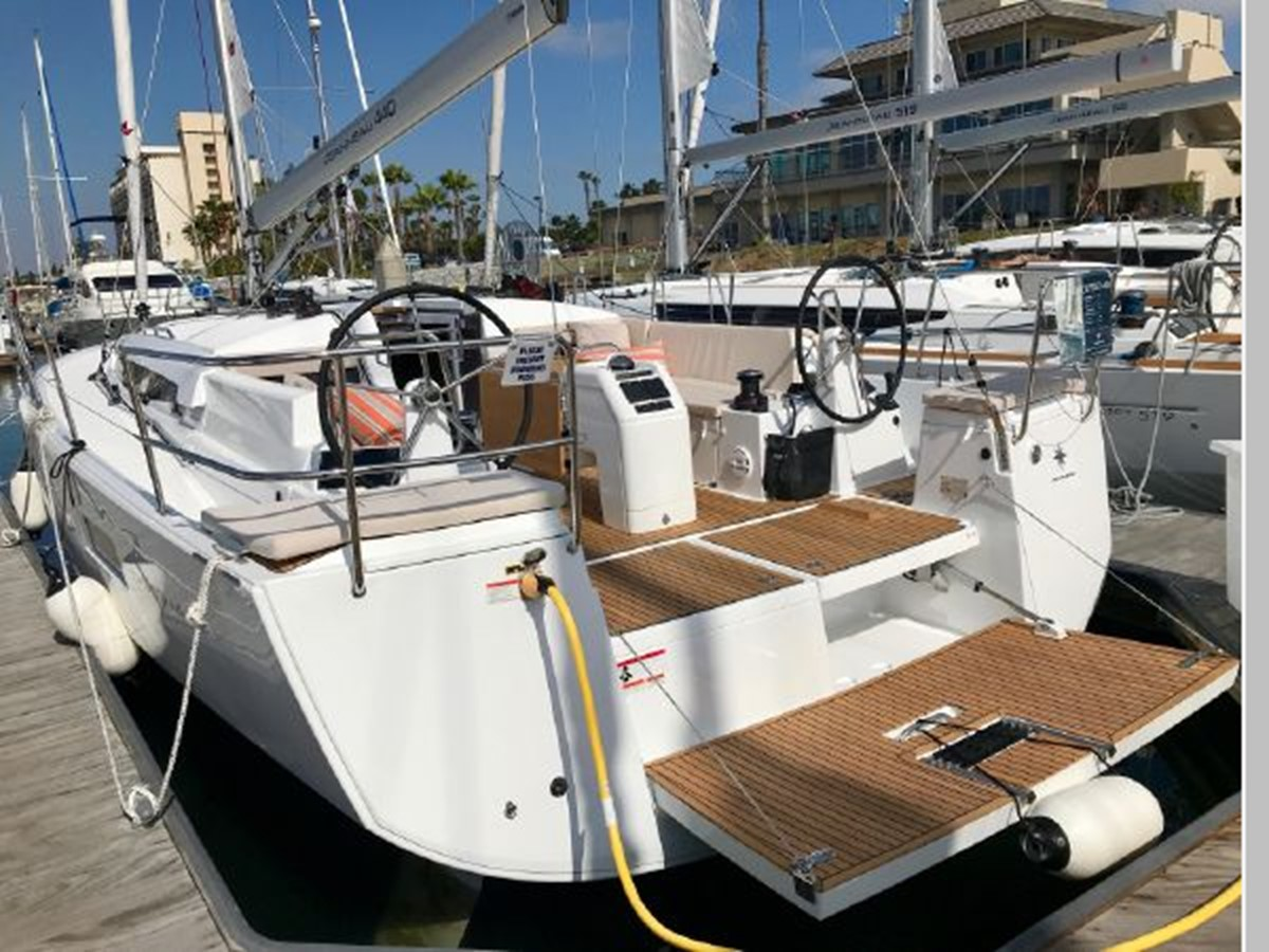 2019 JEANNEAU Sun Odyssey 440 Cruising Sailboat 2607252