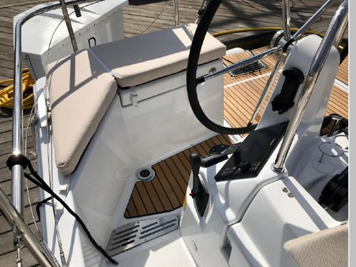 2019 JEANNEAU Sun Odyssey 440 Cruising Sailboat 2607254