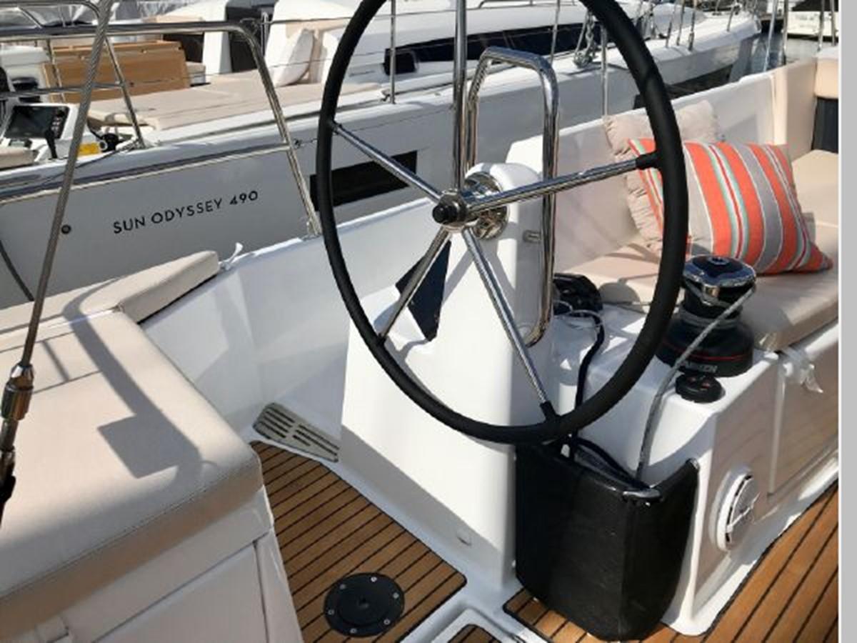 2019 JEANNEAU Sun Odyssey 440 Cruising Sailboat 2607255