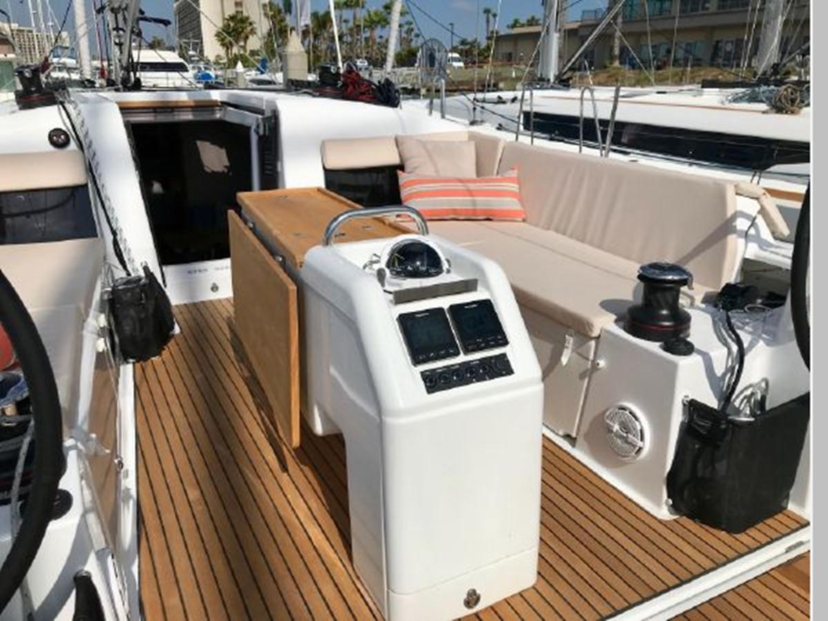2019 JEANNEAU Sun Odyssey 440 Cruising Sailboat 2607256
