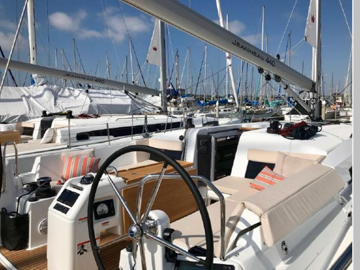 2019 JEANNEAU Sun Odyssey 440 Cruising Sailboat 2607259