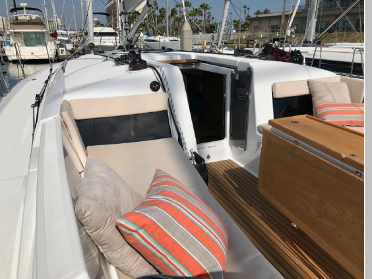 2019 JEANNEAU Sun Odyssey 440 Cruising Sailboat 2607267