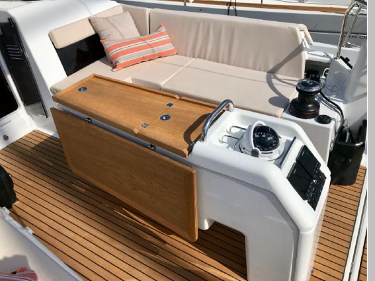 2019 JEANNEAU Sun Odyssey 440 Cruising Sailboat 2607268