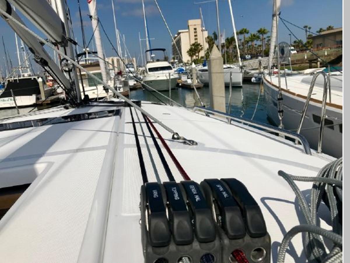 2019 JEANNEAU Sun Odyssey 440 Cruising Sailboat 2607278