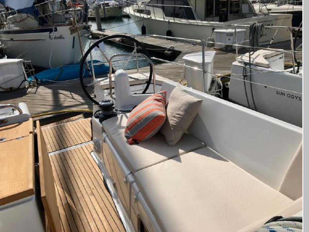 2019 JEANNEAU Sun Odyssey 440 Cruising Sailboat 2607279