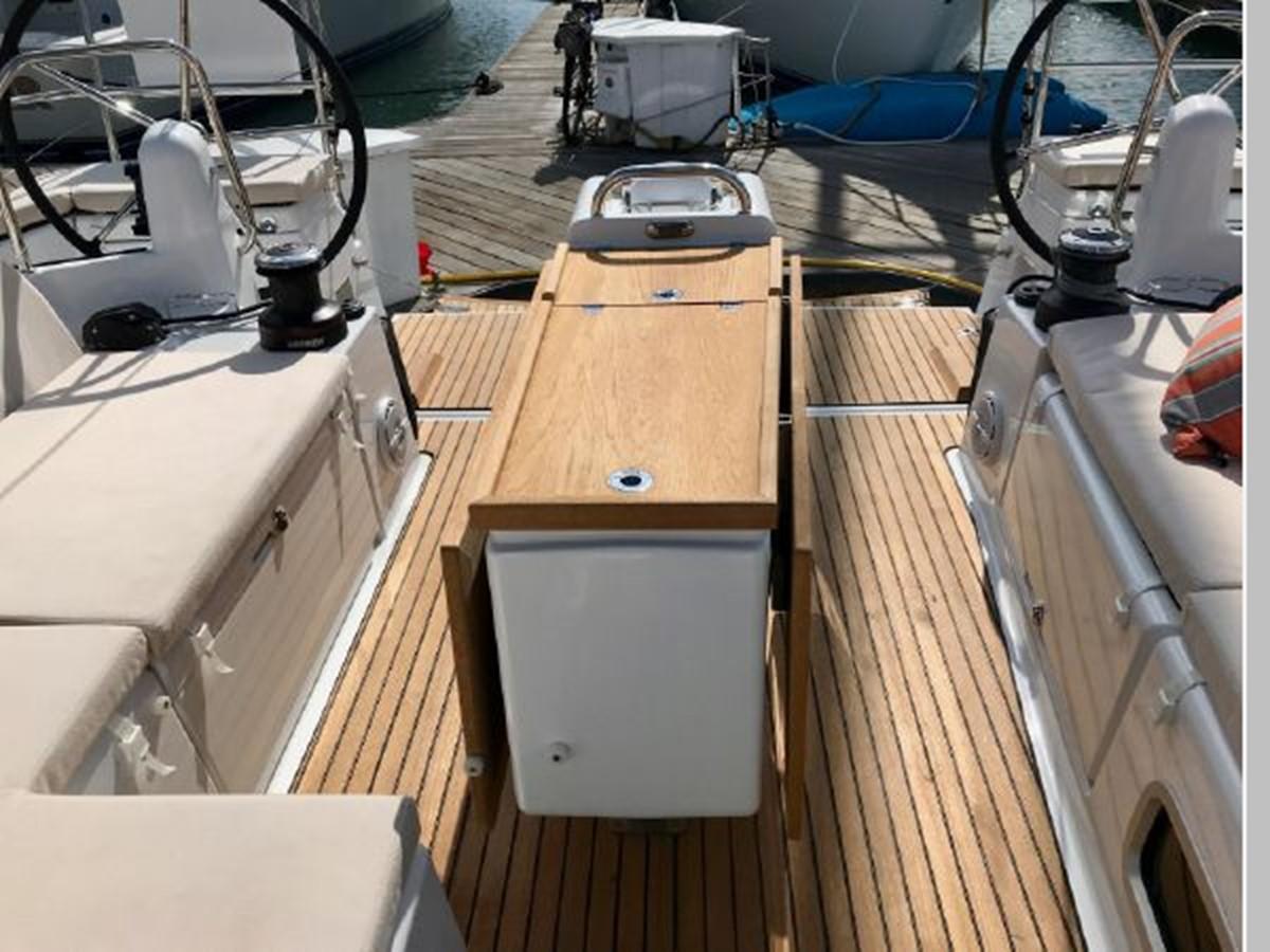 2019 JEANNEAU Sun Odyssey 440 Cruising Sailboat 2607281