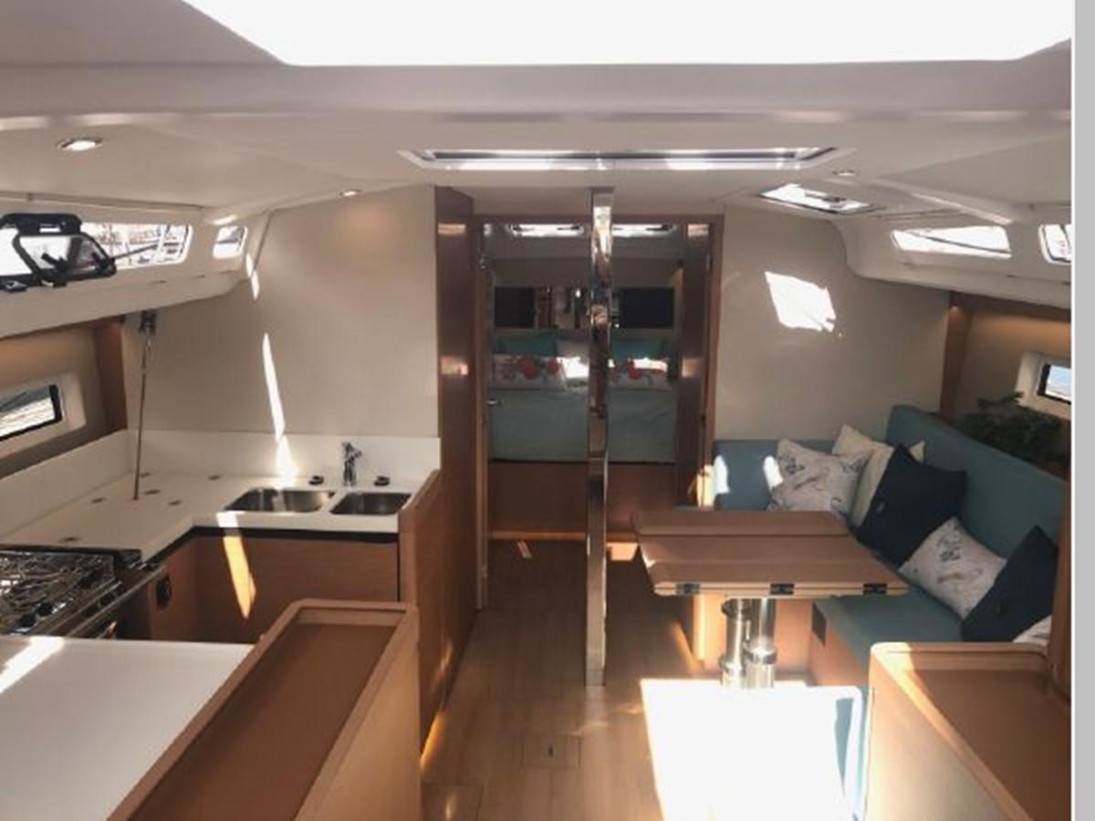 2019 JEANNEAU Sun Odyssey 440 Cruising Sailboat 2607288