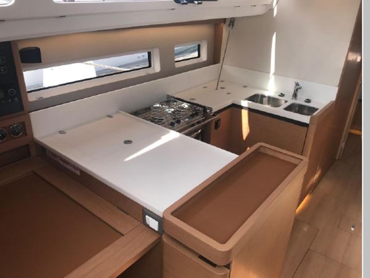 2019 JEANNEAU Sun Odyssey 440 Cruising Sailboat 2607302