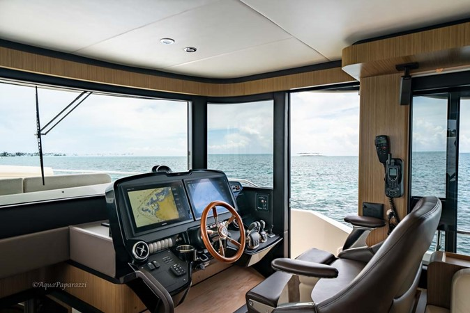 Lower Helm 2017 ABSOLUTE 52 Navetta Motor Yacht 2608575