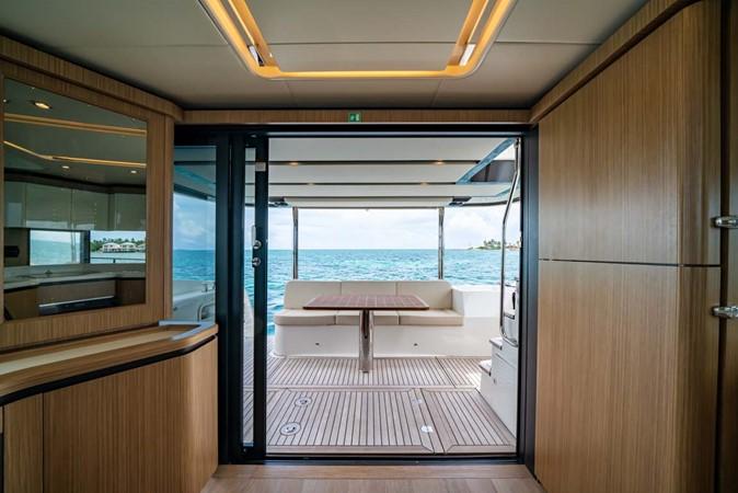 Salon Looking Aft 2017 ABSOLUTE 52 Navetta Motor Yacht 2608581