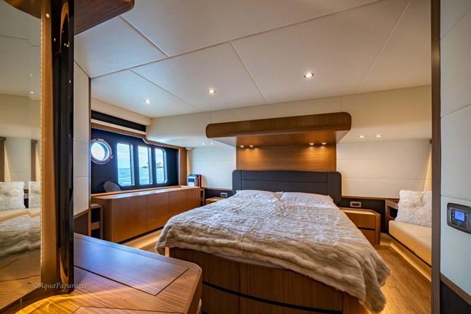 Master Stateroom 2017 ABSOLUTE 52 Navetta Motor Yacht 2608586