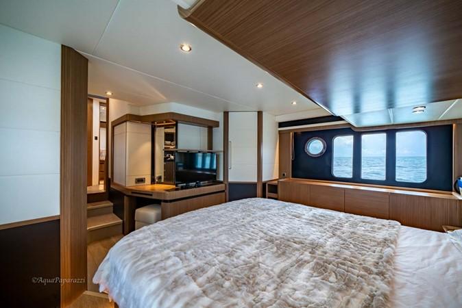 Master Stateroom 2017 ABSOLUTE 52 Navetta Motor Yacht 2608588