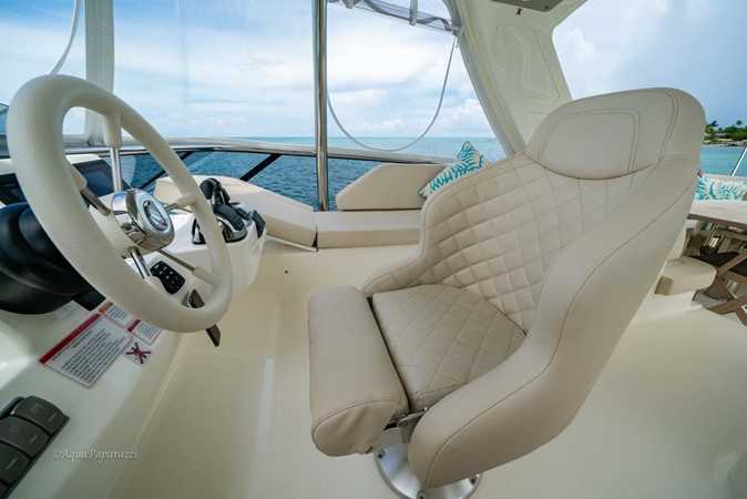Helm Seat 2017 ABSOLUTE 52 Navetta Motor Yacht 2608610