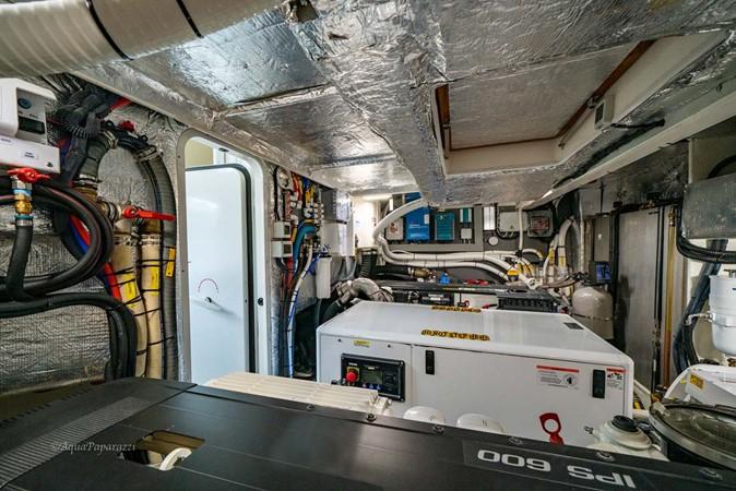 Engine Room 2017 ABSOLUTE 52 Navetta Motor Yacht 2608627
