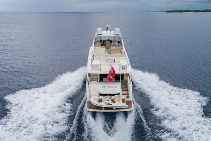 Stern View Running 2017 ABSOLUTE 52 Navetta Motor Yacht 2608633