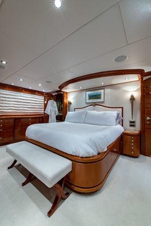 2010 HARGRAVE Flybridge Wide Body Motor Yacht Motor Yacht 2608753