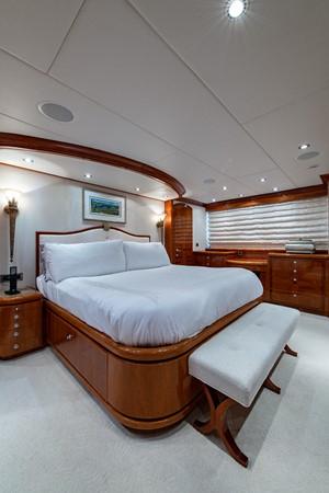 2010 HARGRAVE Flybridge Wide Body Motor Yacht Motor Yacht 2608754