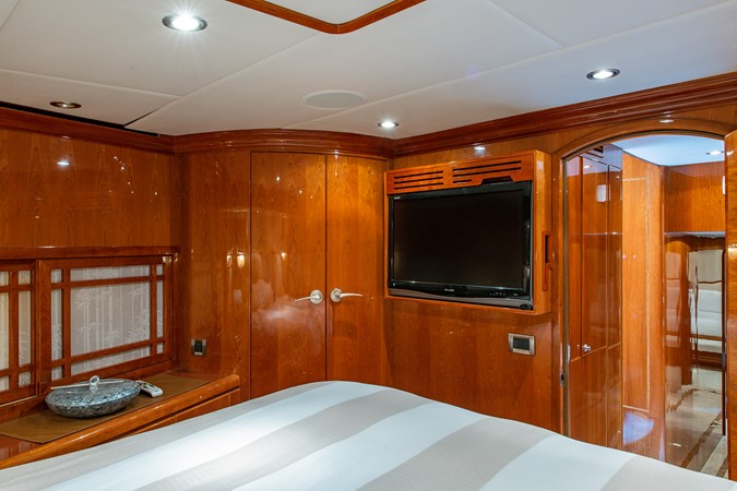 2010 HARGRAVE Flybridge Wide Body Motor Yacht Motor Yacht 2608784