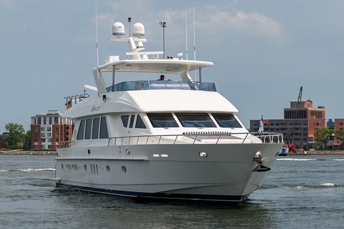 2010 HARGRAVE Flybridge Wide Body Motor Yacht Motor Yacht 2608788