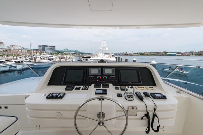 2010 HARGRAVE Flybridge Wide Body Motor Yacht Motor Yacht 2608838