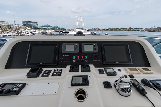 2010 HARGRAVE Flybridge Wide Body Motor Yacht Motor Yacht 2608839