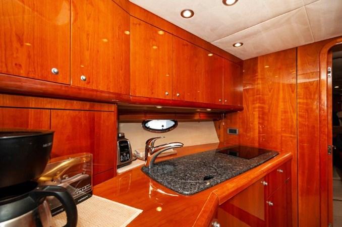 2007 55 Sunseeker Predator Galley  2007 SUNSEEKER 55 Predator Motor Yacht 2612582