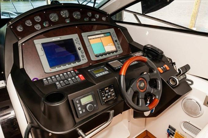 2007 55 Sunseeker Predator Helm 2007 SUNSEEKER 55 Predator Motor Yacht 2612584