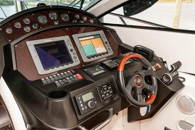 2007 55 Sunseeker Predator Helm 2007 SUNSEEKER 55 Predator Motor Yacht 2612585