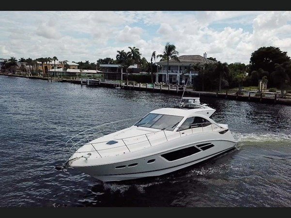 2015 SEA RAY 510 Sundancer Motor Yacht 2609147