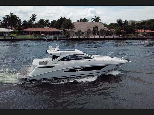 2015 SEA RAY 510 Sundancer Motor Yacht 2609148