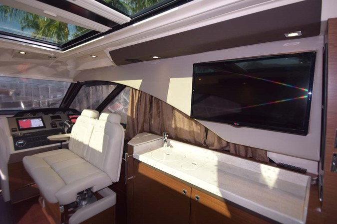 2015 SEA RAY 510 Sundancer Motor Yacht 2609172