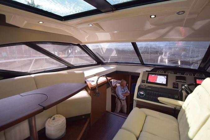 2015 SEA RAY 510 Sundancer Motor Yacht 2609173