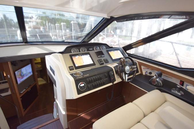 2015 SEA RAY 510 Sundancer Motor Yacht 2609210