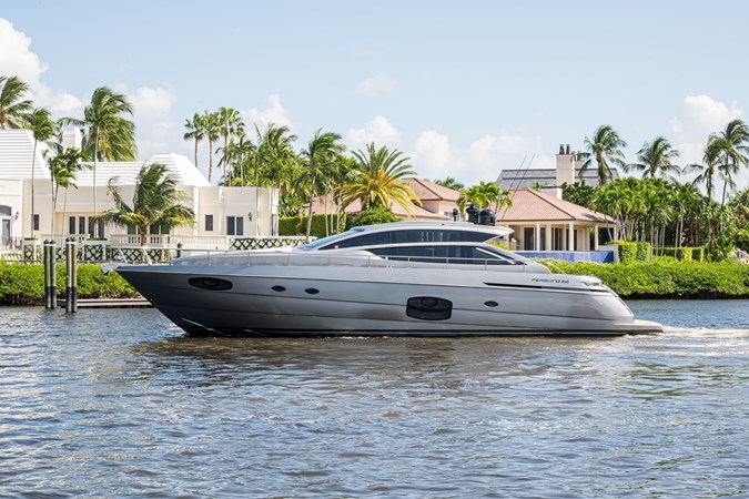 Sunshine, 62 Pershing 2014 Profile 2014 PERSHING Express Cruiser Cruiser 2690610