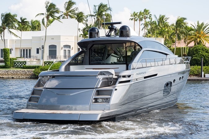 Sunshine, 62 Pershing 2014 Aft Deck 2014 PERSHING Express Cruiser Cruiser 2690619