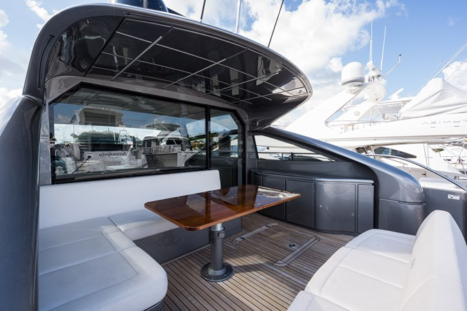 Sunshine, 62 Pershing 2014 Aft Deck 2014 PERSHING Express Cruiser Cruiser 2692334