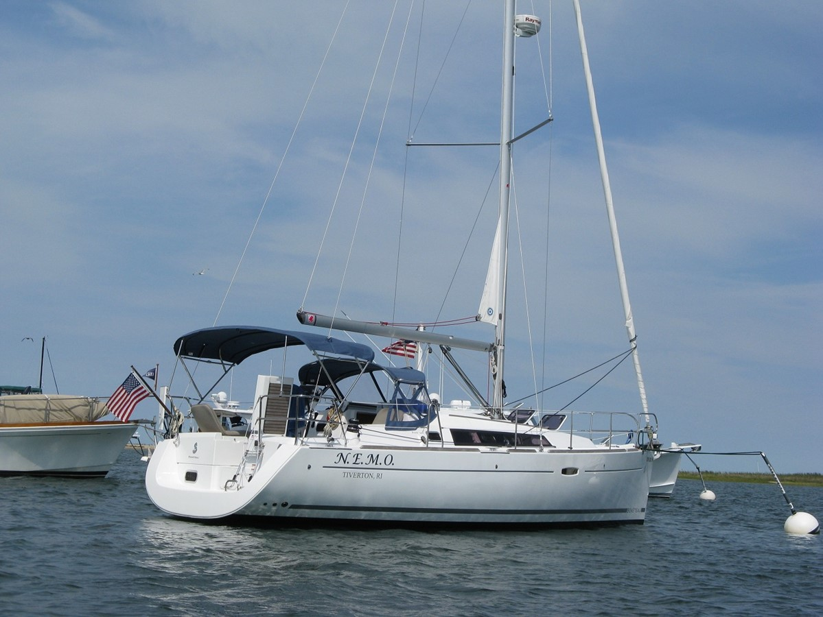 On the hook 2011 BENETEAU Oceanis Sloop 2611505