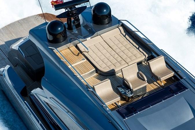 2015 PERSHING  Motor Yacht 2612097