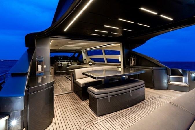2015 PERSHING  Motor Yacht 2612100