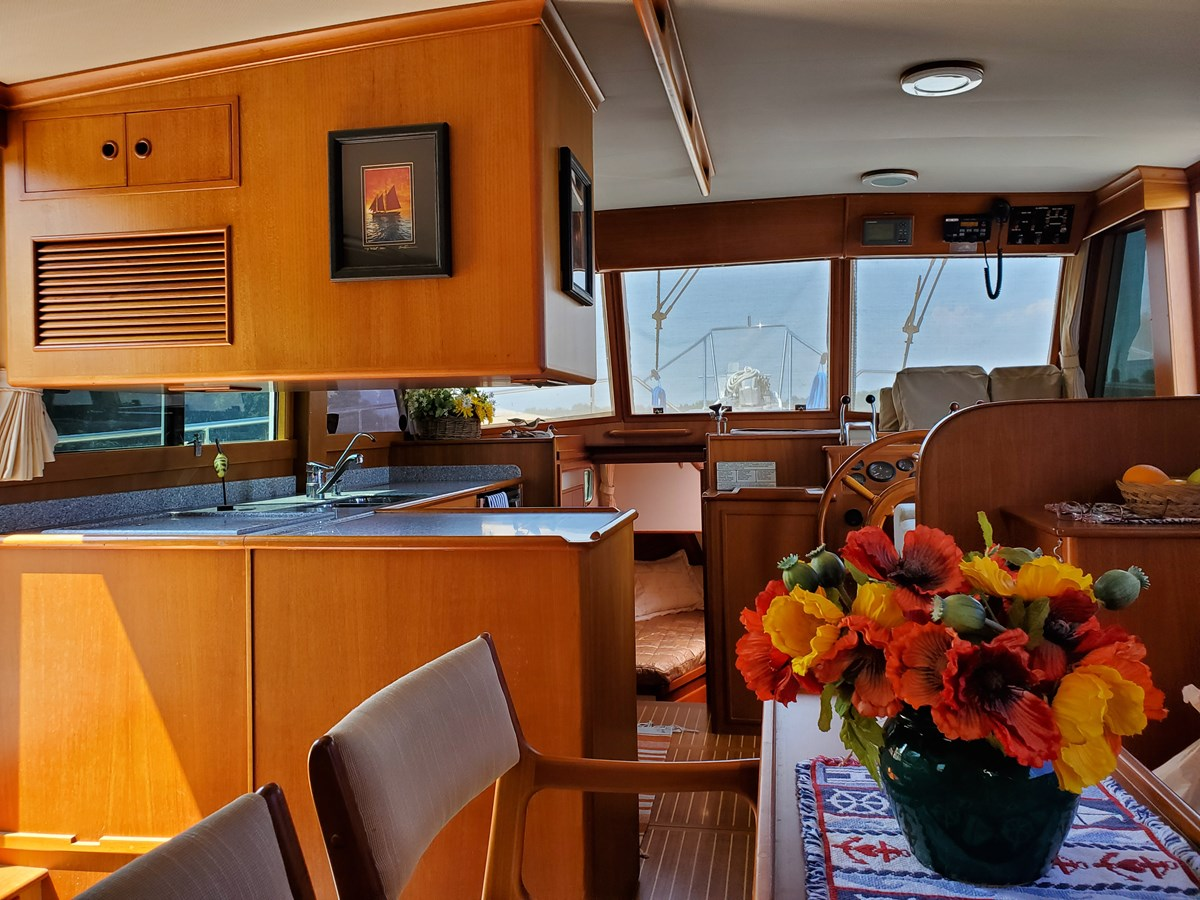 Looking forward to L galley from starboard settee 2003 GRAND BANKS 42 Classic Trawler 2615633