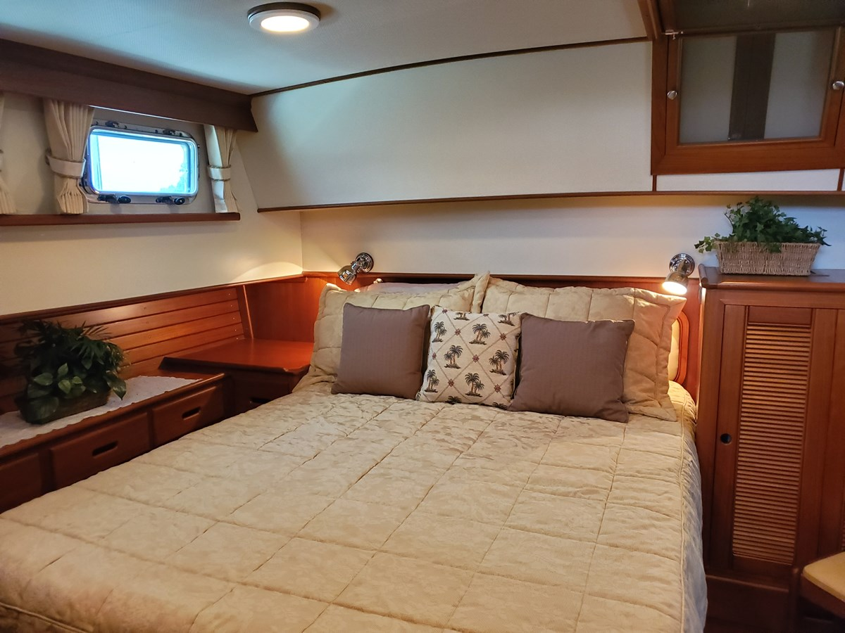 20190714_140522 -lena 2003 GRAND BANKS 42 Classic Motor Yacht 2615670